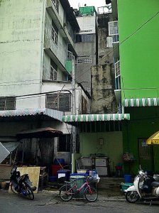 Back lanes of a forgotten Bangkok district of the working class.